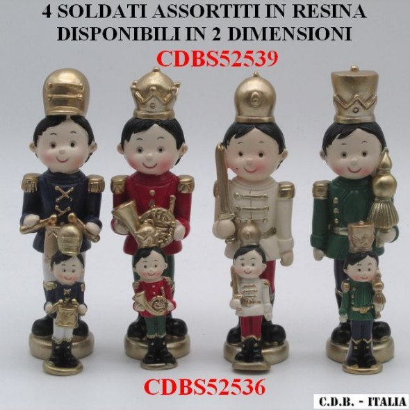 SOLDATI ASSORTITI IN 4 MODELLI IN RESINA, DISPONIBILI IN 2 DIMENSIONI